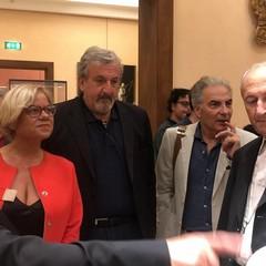 Don Peppino Cutrone direttore del Museo mostra le meraviglie esposte
