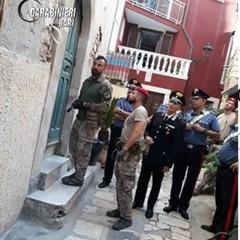 i controlli dei carabinieri a Bitonto