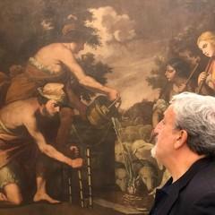 Il governatore davanti a una tela del Museo