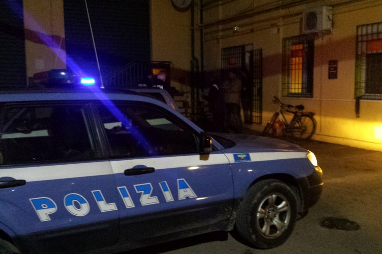 Incensurati e pusher: coppia di giovani arrestati con hashish e marijuana