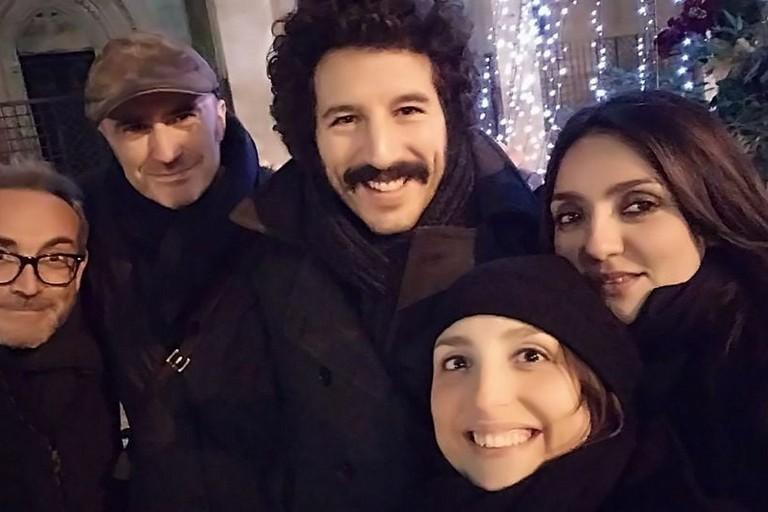 Tapiro ad Ambra Angiolini, il sindaco di Bitonto vicino all'attrice e showgirl