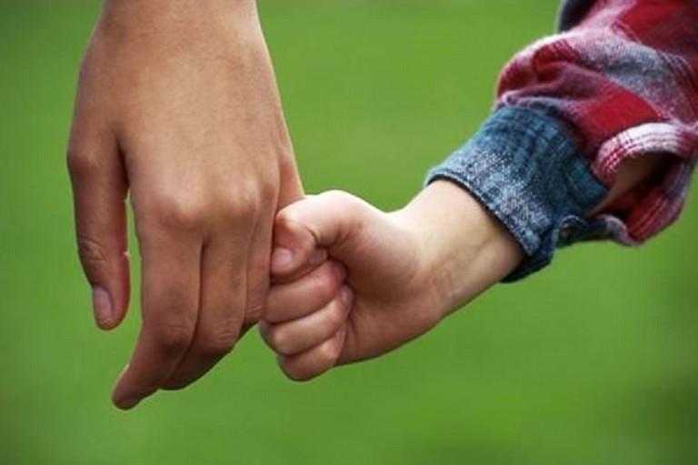 Affido familiare per minori in difficoltà: al via il tour conoscitivo