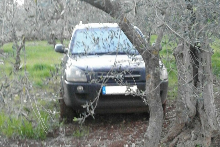 Una delle due auto recuperate dal Consorzio Custodia Campi