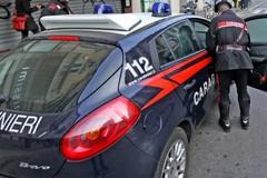 Fugge al posto di blocco su un'auto rubata: arrestato un 42enne di Bitonto