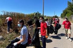 Via Balice ripulita dai rifiuti da 2hands Bitonto (FOTO)