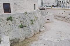 Ripulito il fossato del Torrione Angioino