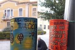 Barattoli colorati a Bitonto contro i mozziconi: «Rubateli: li rimetto»