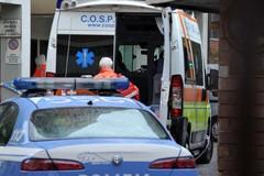 Picchia il cassiere: rapina a mani nude da 3.500 euro