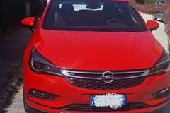 Torna a Bitonto ma gli rubano l'auto: cerchi già in vendita on line a Cerignola