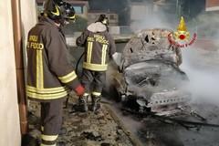 Due auto in fiamme nella zona artigianale di Bitonto