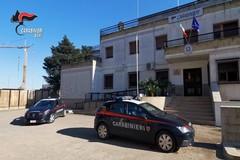 Distrugge 3 auto per scappare ai Carabinieri: arrestato 25enne