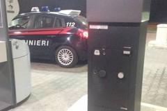 Ladri tagliano la colonnina self-service del distributore Total Erg