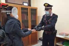 Rubano occhiali e pubblicano foto su Facebook, fermate dai Carabinieri