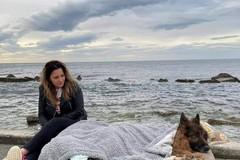 Al mare per l'ultima volta, prima di morire: la storia di Heart, pastore in carrozzella