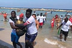 I migranti della Help aiutano i paratleti alla 'CUS Bari ZeroBarriere'