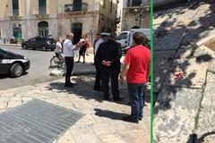 Anziana cade in piazza Marconi e finisce in ospedale