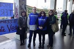 «No all'inceneritore». Ambientalisti in protesta davanti alla Regione