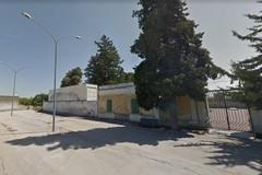 Palombaio: il viale è spento, raggiungere il cimitero è un'impresa