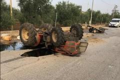 Incidente fra auto e trattore a Bitonto: mezzi ribaltati, due feriti
