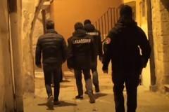 Arrestati 26 affiliati agli Strisciuglio: condanne per oltre 230 anni