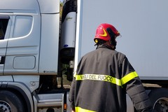 Tir in fiamme, chiuso il tratto dell'A14 tra Bitonto e Bari. Riaperto alle ore 12.30