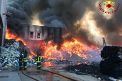 Incendio Palo del Colle: stop a Bitonto alla raccolta di carta, plastica e vetro