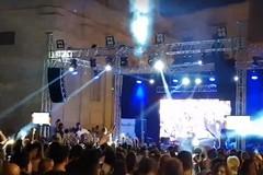 Centinaia di ragazzi in piazza a Bitonto ieri per il Festival dei Dj. Ma senza Polizia