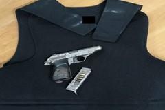 In giro a Palo con pistola e giubbotto antiproiettile: arrestato 45enne