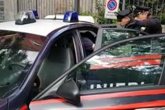 Fugge su un furgone rubato e si schianta su una fioriera: arrestato pregiudicato bitontino