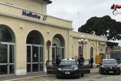 Rapina e palpeggia ragazza in treno: rintracciato a Bitonto e arrestato 36enne