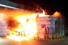 In fiamme il bar della Q8 a Palo del Colle. Usata un'auto rubata