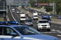 Sorpreso su un furgone rubato fugge a piedi sull'A14: arrestato 26enne di Bitonto