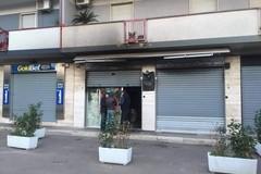 Bar incendiato due volte a Bitonto: Sindaco e giunta sostengono una colletta
