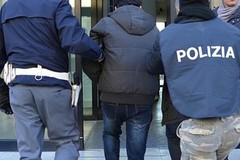 Blitz della Polizia nel cuore della movida bitontina: arrestato spacciatore
