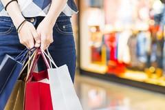 A Bitonto buoni shopping contro la crisi per sostenere spese natalizie