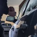 Ennesimo furto d'auto a Bitonto «nell'indifferenza di tutti»