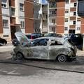 Auto brucia in Via Alcide de Gasperi, la quarta in un mese