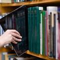 Emiliano a Bitonto per inaugurare le 6 nuove biblioteche digitali della città