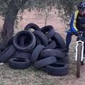 Rifiuti lungo la Poligonale di Bitonto e pneumatici in Lama Balice