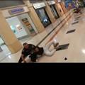 È di Bitonto il vigilante eroe che ha bloccato uno dei rapinatori dell'Auchan di Taranto