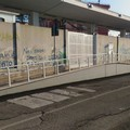 Il varco della stazione resta chiuso e sale l'ira dei pendolari