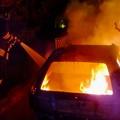 Auto in fiamme in via Berlinguer: danneggiati alcuni villini