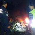 Dopo il rogo del mese scorso, ancora cumuli di rifiuti incendiati in contrada Petrarola