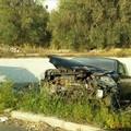 Brutto incidente sul ponte di via Palo: un'auto sfonda il guardrail e finisce nella scarpata