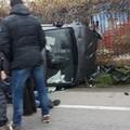 Grave incidente sulla sp 231: un'utilitaria si ribalta e finisce fuori strada