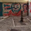 Vandali deturpano con lo spray archi e stradine del centro storico di Bitonto