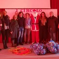Babbo Natale dona attrezzature sportive alle scuole di Bitonto