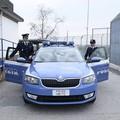 Botte e offese alla moglie davanti ai figli: arrestato un 57enne