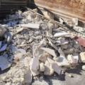 Da Bitonto a Bari con l'autocarro pieno di scarti edili: denunciato