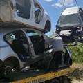 Cimitero delle auto rubate a Bitonto: recuperate 4 carcasse